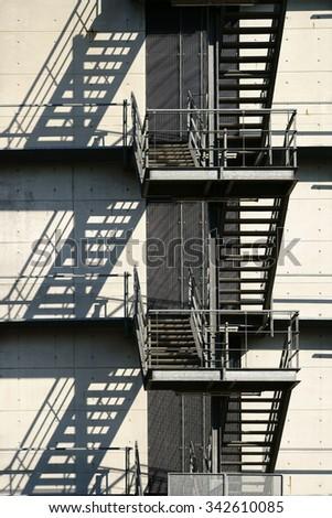 Fogo escapar sombra fachada edifício arquitetura Foto stock © cmcderm1