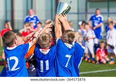Glücklich Sport Fußball Team Spieler halten Stock foto © matimix