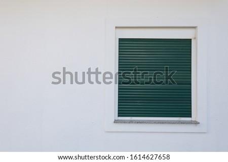 Azul pintado tradicional casa verde Foto stock © pixachi