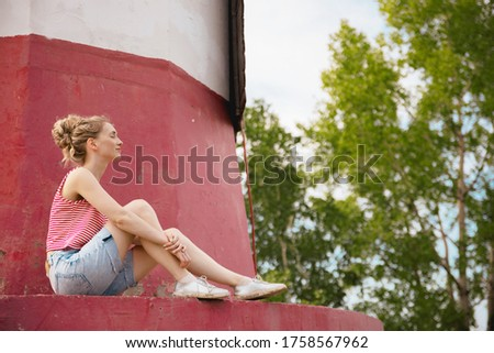 Belo mulher jovem camisas lago nu em pé Foto stock © svetography