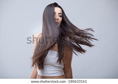 Foto bela mulher longo cabelo escuro saudável pele Foto stock © deandrobot