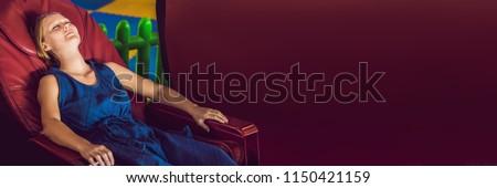 gyönyörű · fiatal · hölgy · megnyugtató · masszázs · szék - stock fotó © galitskaya