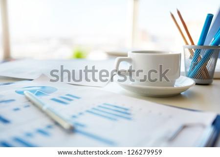 Stockfoto: Business · documenten · kantoor · tabel · grafiek · financiële