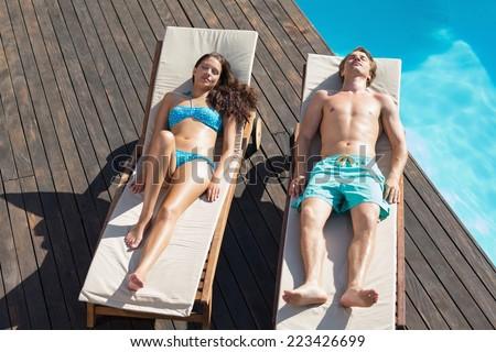 Vue jeune femme détente soleil téléphone portable Photo stock © wavebreak_media