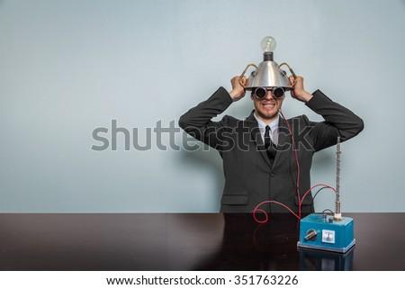 Człowiek okulary ochronne futurystyczny telefonu komórkowego Zdjęcia stock © wavebreak_media