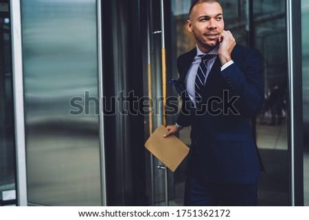 работодатель элегантный костюм Consulting один личные Сток-фото © pressmaster