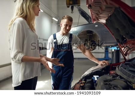jovem · mestre · casa · manutenção · serviço · consultor - foto stock © pressmaster