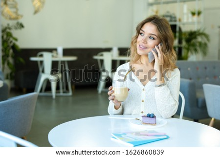 幸せな女の子 ガラス ブルーベリー デザート 話し ストックフォト © pressmaster