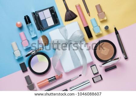 Tarka kozmetika doboz rúzs izolált fehér Stock fotó © tetkoren