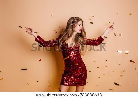Foto vrolijk brunette vrouw mooie lang haar Stockfoto © deandrobot