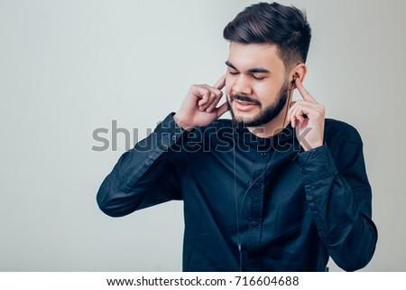 Afbeelding gespierd macho man toevallig dragen Stockfoto © deandrobot