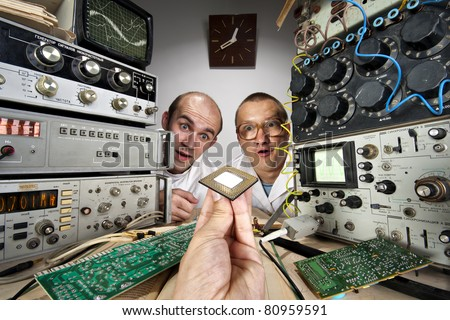 Dois engraçado nerd cientistas olhando moderno Foto stock © nomadsoul1