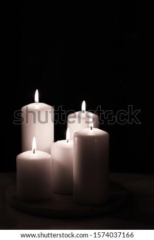 芳香族の 白 ジャスミン キャンドル セット 1泊 ストックフォト © Anneleven