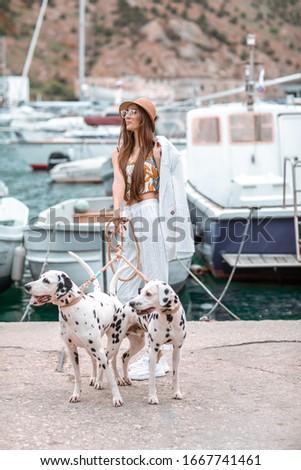 девушки ПЭТ взрослый далматинец воды Сток-фото © ElenaBatkova