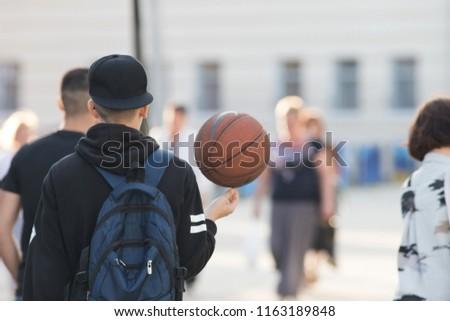 小さな アクティブ 男性 ボール リュックサック ストックフォト © pressmaster