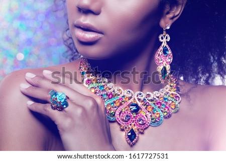 mooi · meisje · ingesteld · sieraden · vrouw · ketting · ring - stockfoto © serdechny