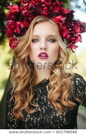 Stok fotoğraf: Güzel · boncuk · portre · genç · sarışın · kadın
