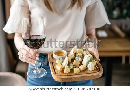 Rode wijn kaas blad diner fles alcohol Stockfoto © M-studio