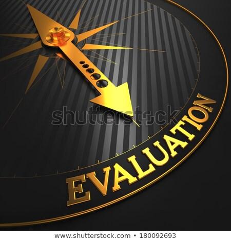 Stockfoto: Evaluatie · zwarte · gouden · kompas · naald · veld