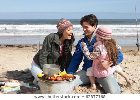 Család barbeque tél tengerpart lány étel Stock fotó © monkey_business