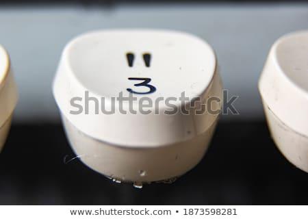 túlhajszolt · titkárnő · párbeszédek · három · lány · telefon - stock fotó © oleksandro