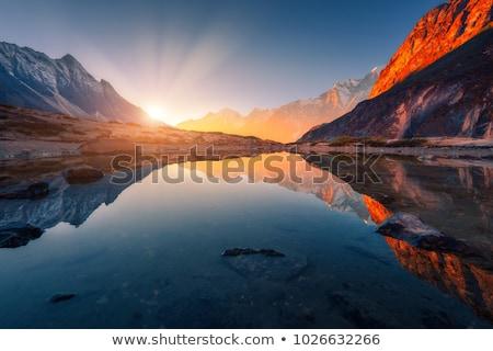 Stockfoto: Berg · zonsopgang · mooie · bergen · blauwe · hemel · strand