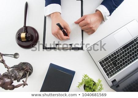 Erkek avukat çalışma sözleşme kağıtları okuma Stok fotoğraf © snowing