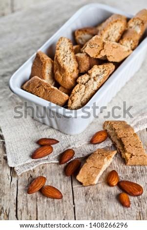 Włoski cookie biały ceramiczne puchar Zdjęcia stock © marylooo