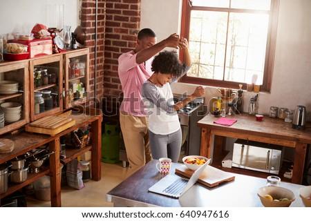 Feliz amor casal de mãos dadas manhã três Foto stock © ruslanshramko