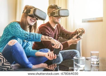 Fiatalember védőszemüveg játszik virtuális játékok számítógépmonitor Stock fotó © pressmaster