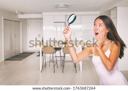 Casa limpieza inspección conmocionado Asia mujer Foto stock © Maridav