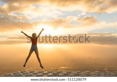 Gagnant femme gagner ouvrir bras succès Photo stock © Maridav