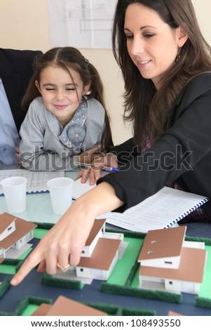 jovem · feminino · arquiteto · sessão · escritório - foto stock © photography33