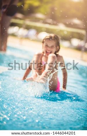 Criança diversão piscina mãos água Foto stock © meinzahn