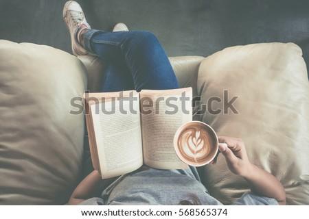 Genç okuma kitap yatak odası örnek öğrenci Stok fotoğraf © bluering