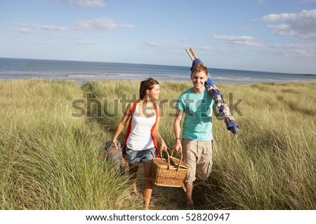 Stok fotoğraf: Piknik · sepeti · yürüyüş · adam · çift