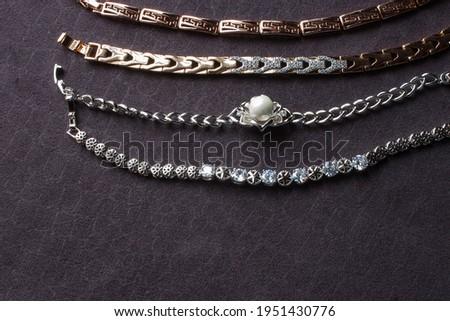 Dourado brincos anéis jóias ouro água Foto stock © Anneleven