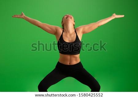 afbeelding · jonge · gelukkig · vrouw · handen - stockfoto © wavebreak_media