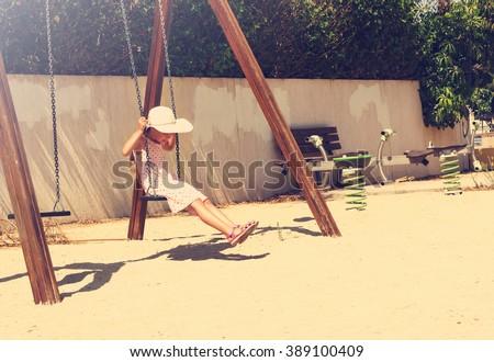 retrato · bastante · mulher · jovem · recreio · parque - foto stock © lunamarina
