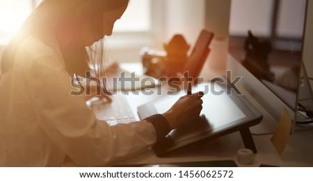 グラフィック · デザイナー · 作業 · デスク · 創造 · スタジオ - ストックフォト © ijeab