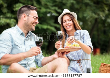 Genç cam şarap teklif tost mutlu Stok fotoğraf © pressmaster
