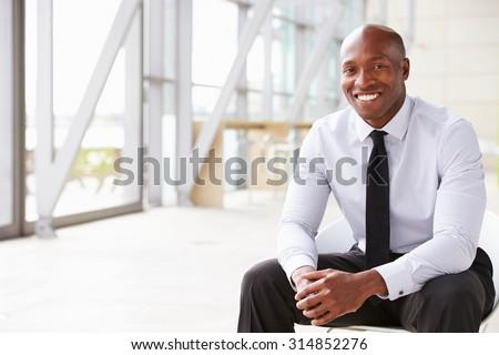 Retrato jovem africano americano empresário sorridente câmera Foto stock © wavebreak_media