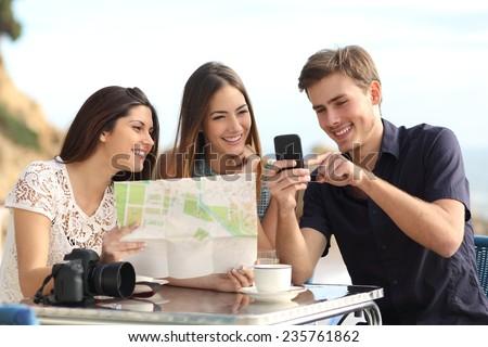 Hombre mapa aplicación rascacielos banner Foto stock © galitskaya