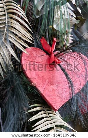 Valentine dia vermelho corações decorações dourado Foto stock © ajlber
