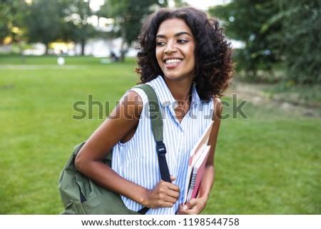 африканских девушки улице парка книгах Сток-фото © deandrobot
