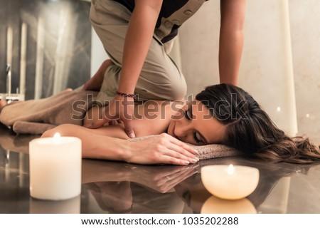 massaggio · trattamento · femminile · rilassante · terapia - foto d'archivio © kzenon