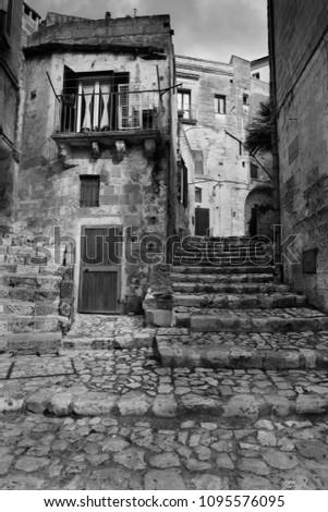 Keskeny utca ősi város régió kilátás Stock fotó © boggy
