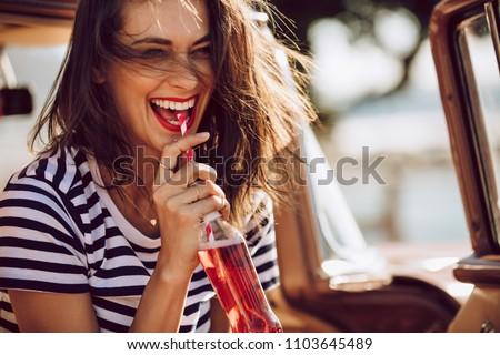 Drinken zomer tabel licht vruchten Stockfoto © racoolstudio