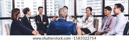Front widoku różnorodny ludzi biznesu słuchania działalności Zdjęcia stock © wavebreak_media