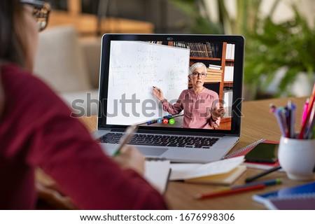 tanár · magyaráz · valami · diák · osztályterem · nő - stock fotó © lighthunter